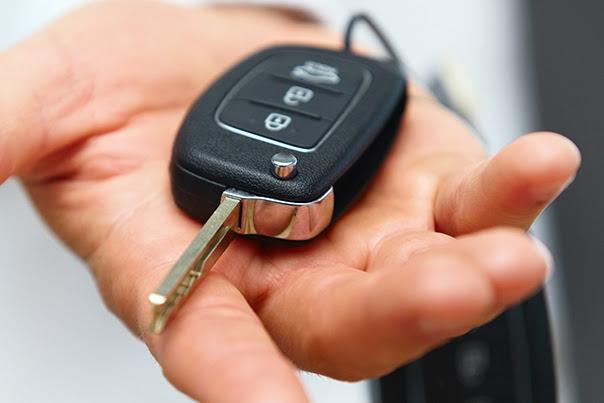 O que você precisa saber antes de comprar um carro seminovo?