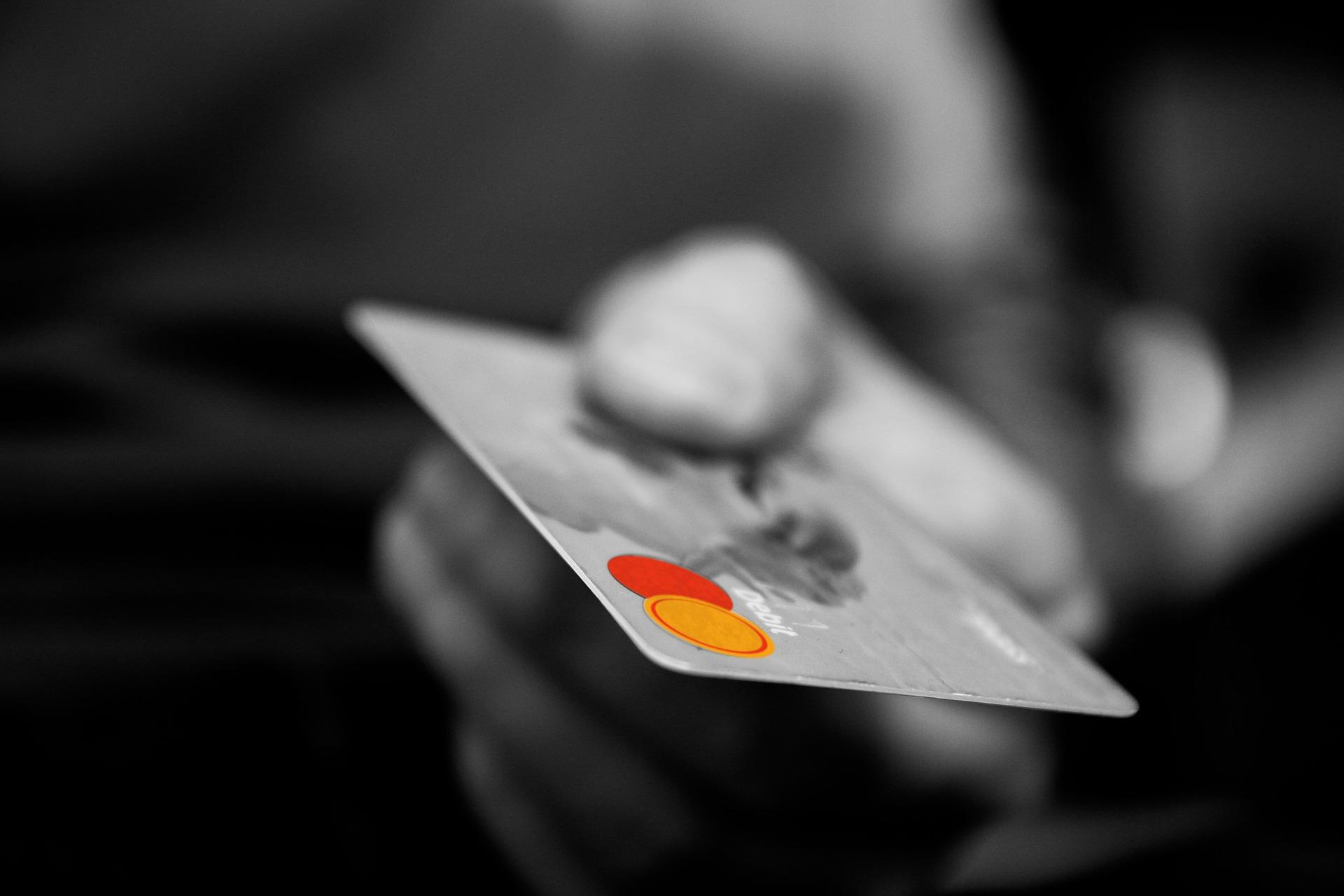 Empregados que vendem benefícios cedidos pelas empresas podem ser demitidos