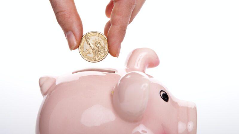 Em tempos de alta inflação: vale a pena investir na poupança?
